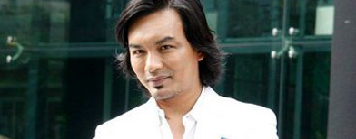 Anuar Zain mohon maaf berikutan foto peluk Zandra (Cinema Online)