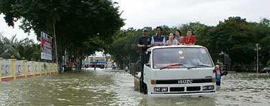 Jabatan Meteorologi Malaysia menasihati penduduk mengenai risiko banjir di negeri-negeri itu.