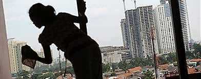 Persatuan Majikan Amah Malaysia bantah kos baharu pengambilan amah dari Indonesia.
