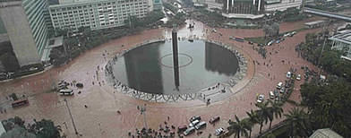 Pics: Massive flood in downtown Jakarta