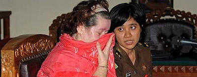 Woman gets Bali drug death sentence