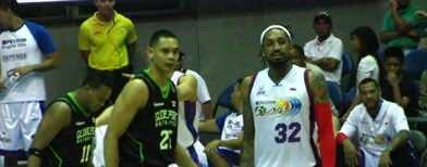 Japeth stands tall as Batang Pier win