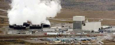 Six tanks leak at U.S. nuclear waste site