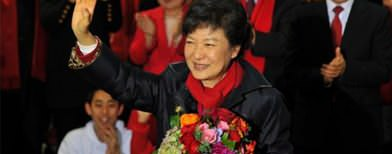 S. Korea swears in first woman president