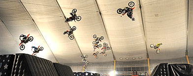 18 bikers break backflip record