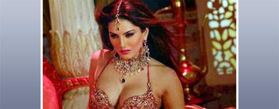 Sunny Leone's hot moves