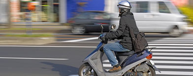 Woman crashes scooter five times. Photo: Thinkstock