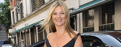Kate Moss' almost wardrobe malfunction