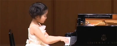 Meet the 6-year-old piano prodigy