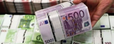 Euros notes (Yahoo! photo)