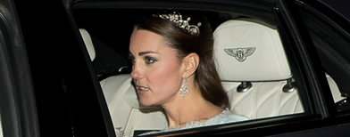 The Duchess rarely wears showy headpieces, but she makes an exception with this 1923 stunner. (Yahoo)