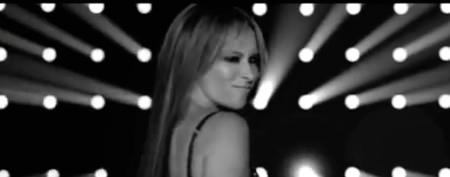 Jennifer Love Hewitt's frisky moves