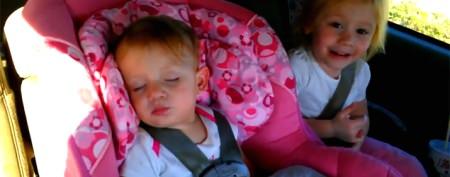 Super-cute baby wakes up dancing