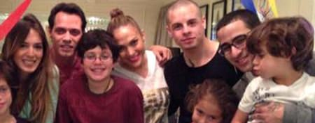Who's missing from J.Lo's photo with ex?