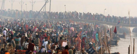 Deadly stampede at giant religious festival