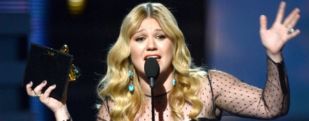 Kelly Clarkson lashes out at music exec