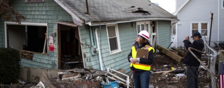 Sandy storm victims enraged by aid delay