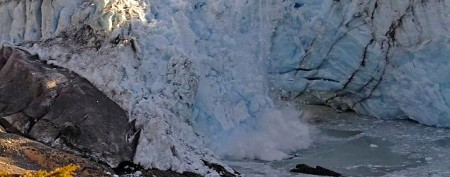 Glacier collapse captured on camera
