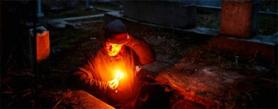 Photos: The man who lives in a tomb
