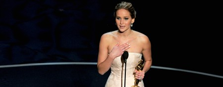 Lawrence's apology over Oscar speech gaffe