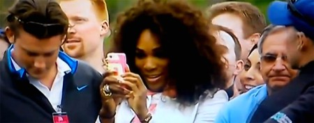 Serena Williams scolded for cellphone photo