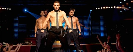 Shirtless hunks in MTV award battle