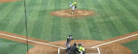 Clever pitcher overcomes glove malfunction