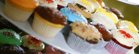 School seizes boy's military-themed cupcakes
