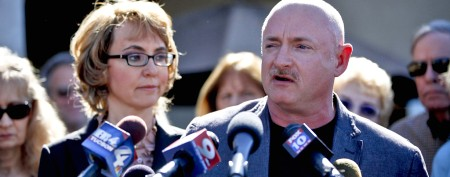 Giffords's husband slammed for buying rifle