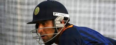India fret over Pujara's injury