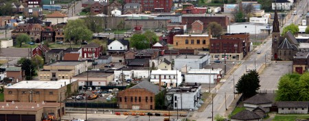 High school rape case divides Ohio town