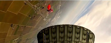 Sky diver survives 30 mph crash to the ground