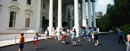 White House cancels tours, catches heat