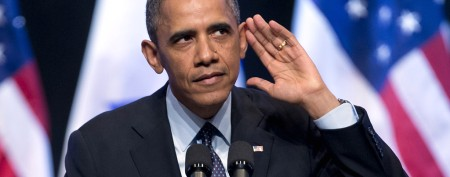 Obama's response to heckler draws cheers