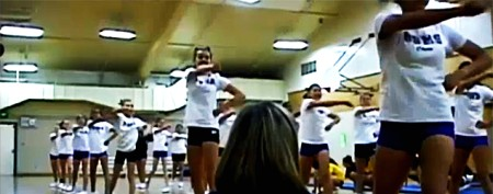 Cheerleaders' kind act is quickly repaid