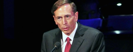 Petraeus apologizes in first speech since CIA exit