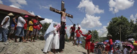 Filipinos go to extremes to mark Good Friday