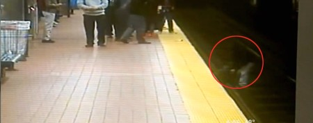 Subway hero acts fast to help stranger on tracks