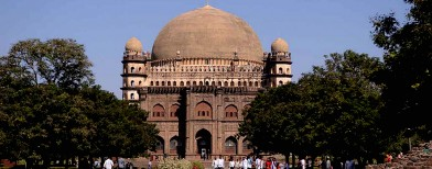 Mahals and mausoleums in Bijapur
