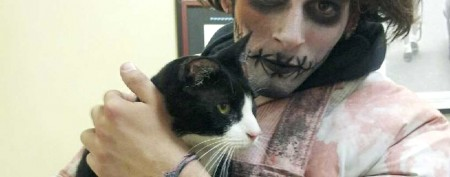 'Zombie' finds lost cat in Times Square