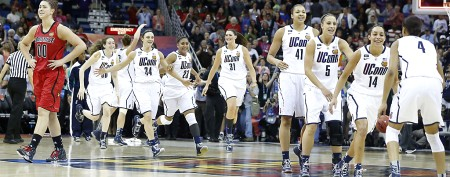 UConn ties NCAA record in rout over Louisville