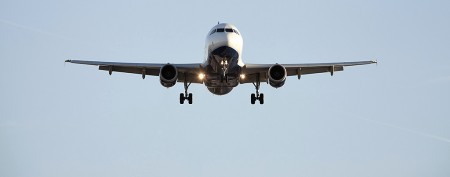 Hacker says he can hijack a plane with app