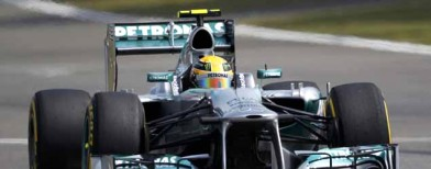Chinese GP: Hamilton takes pole