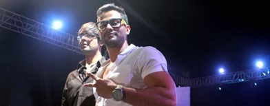 Kunal Khemu and his zombie friends