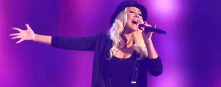 Aguilera leaves diva to fend for herself
