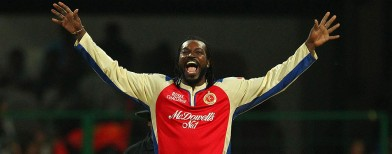 Gayle grabs Pune by the tail