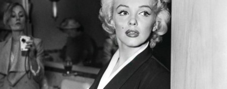 Something's off with this Marilyn Monroe photo