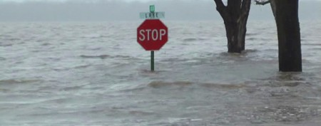 Midwest floodwaters swell to record levels
