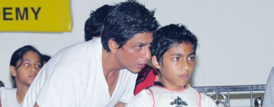 Steal SRK's parenting secrets!