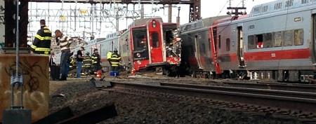 Trains collide, hospitalizing 60 commuters